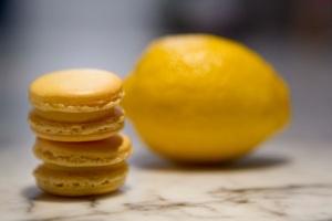 Lemon Macarons Duo